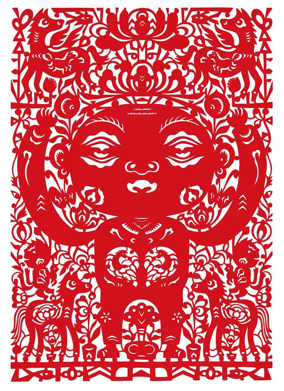 小花人与八骏马 红绢布 54.5x39 cm