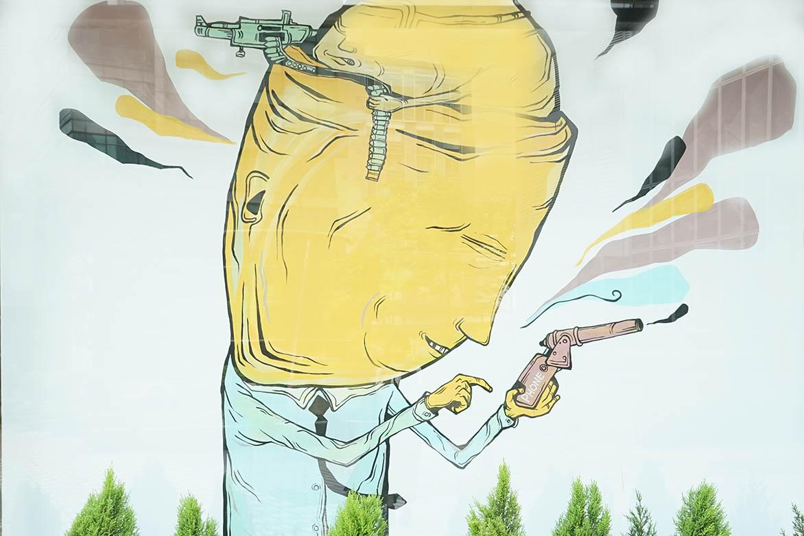 Candy Bird 双面人2 2014 水性漆、木板 340x290cm x2