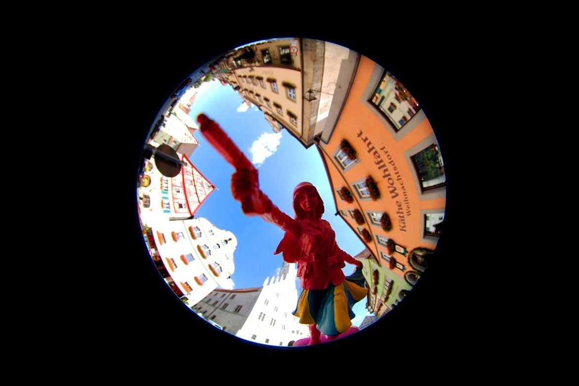 游击女孩-童话幻6 复合媒材 直径60cm