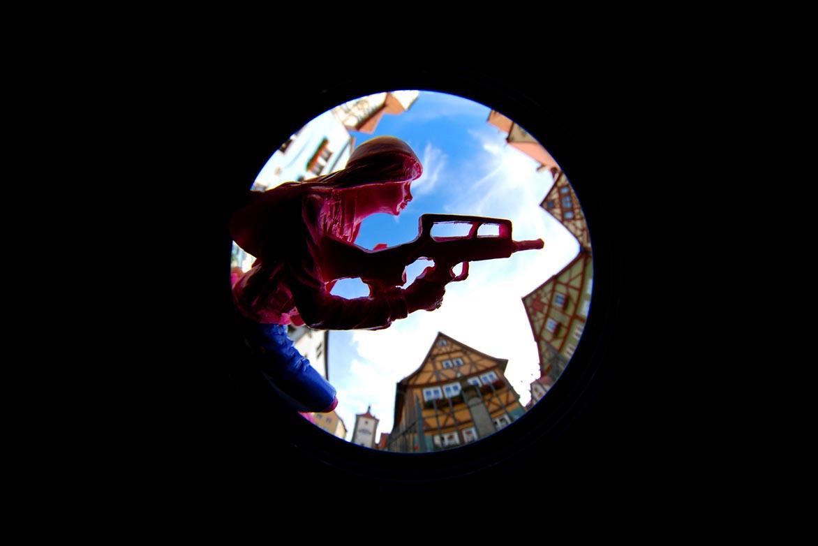 游击女孩-童话幻7 复合媒材 直径60cm