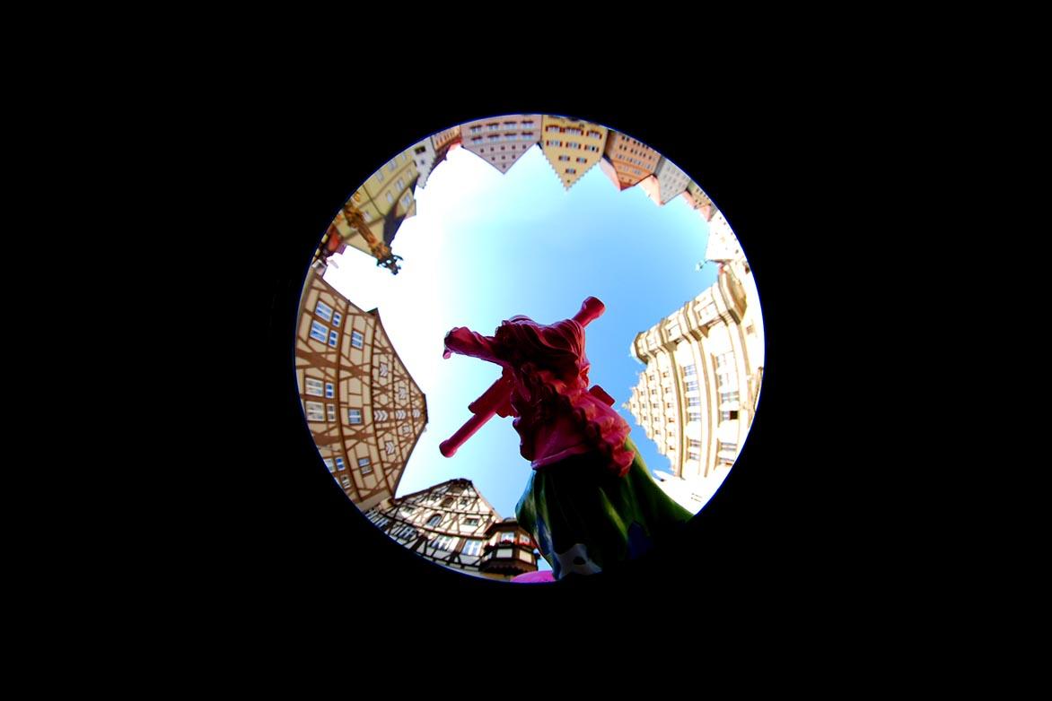 游击女孩-童话幻4 复合媒材 直径60cm