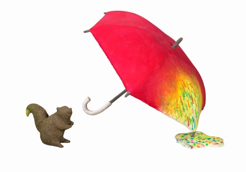 蔡洁莘  彩虹雨村落的松鼠  2016  纸浆丶压克力颜料  55x89x89cm