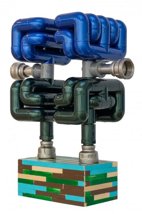 蔡坤霖  来自远方的声音—克里夫兰  2016  硬质塑胶管丶不锈钢管丶声音装置丶木材丶声音来源:克里夫兰空军展示表演     37x30x14.5cm
