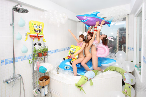 王建扬 浴室狂想曲 2011 摄影 67×100cm
