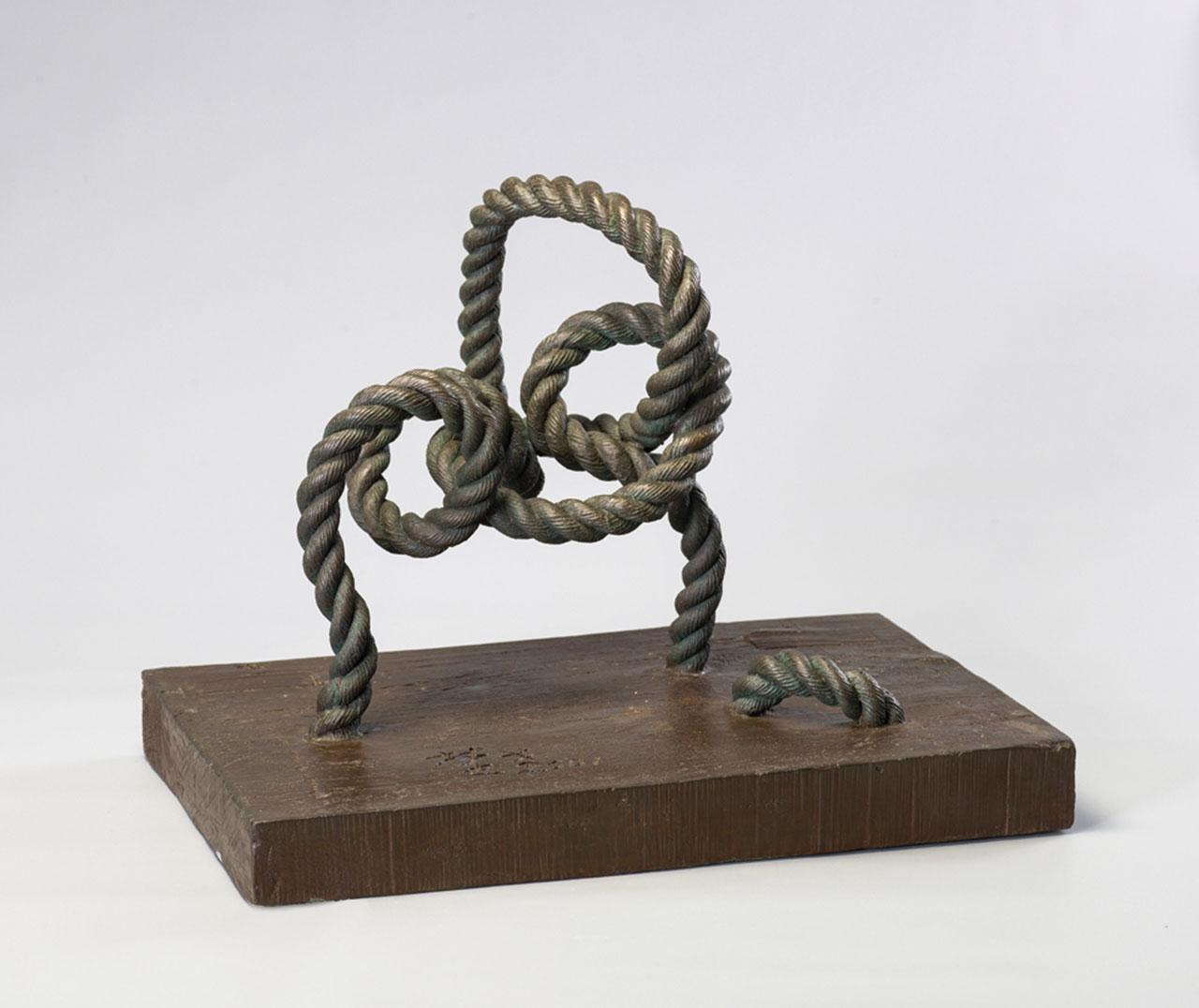 Memory of Tying the Rope Bronze 51x33x40cm