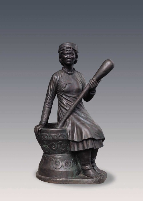 CHIU Yunn Rukai (woman) 2006 Copper 139x70x59cm Photo Credits: National Taiwan Museum
