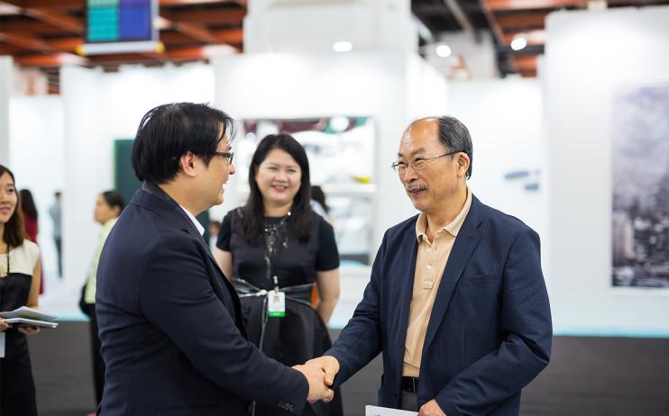 President of Liang Gallery, YU, Yen-Liang & Former Director of National Taiwan Museum of Fine Arts,  HUANG, Tsai-Lang