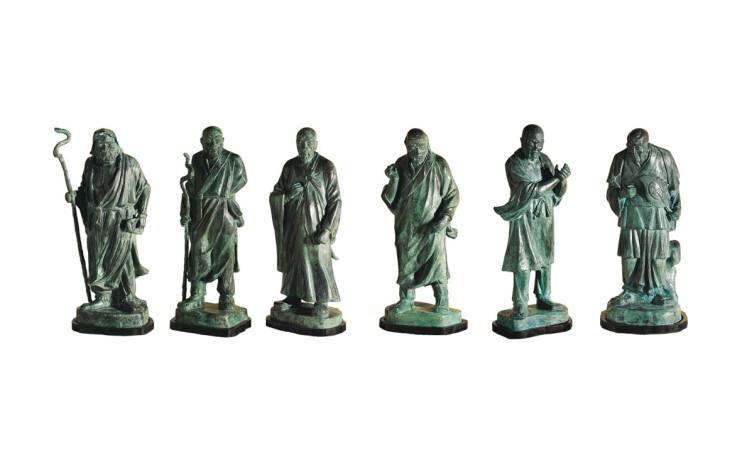 HO Ming-Chi  Left to Right:Six Zen Masters – Skt. Bodhidharma, the First Patriarch, Hui Ke, the Second Patriarch, Seng Tsan, the Third Patriarch, Tao Hsin, the Fourth Patriarch, Hung Jen, the Fifth Patriarch,  Hui Neng, the Sixth Patriarch 1987 Bronze 左至右:82×31×29cm、 84×34×30cm、 82×32×28cm、81×31×29cm、 77x31x31cm 80×35×35cm、 Photo Credits:Taipei Fine Arts Museum
