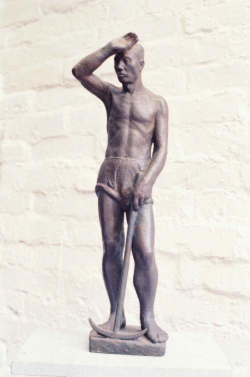 陳夏雨 農夫 1951 樹脂 47.2x16.6x11cm