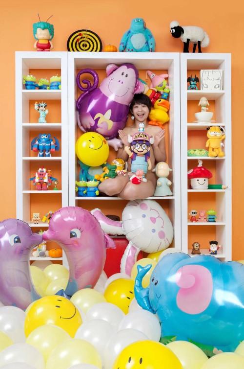 王建揚 夢幻玩具櫃 2011 攝影 67x100cm
