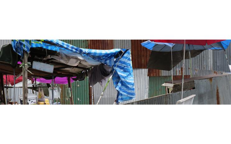 陳依純  帷幕後的居所  2015-16  有聲彩色錄像  5min