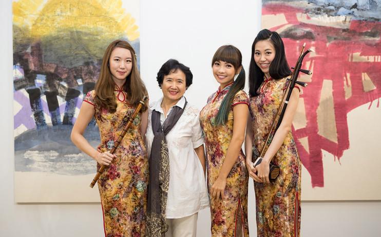 藝術家李重重與表演團體東方靚莉