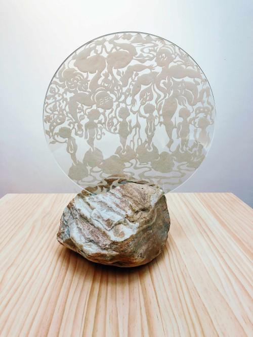 吳耿禎  篝火—石頭—01-1 2018 壓克力顏料、人造纖維、玻璃、紋石 40x40cm ed. 1/2