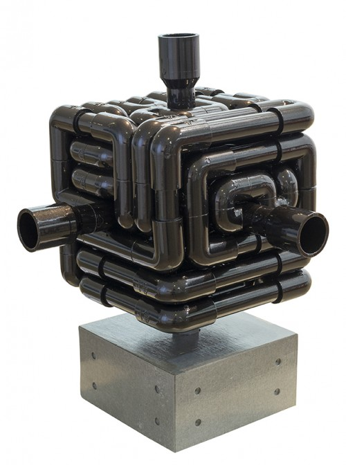 蔡坤霖  來自遠方的聲音—京都  2014  硬質塑膠管、聲音裝置、清水模、聲音來源:京都水琴窟     41x36x36cm